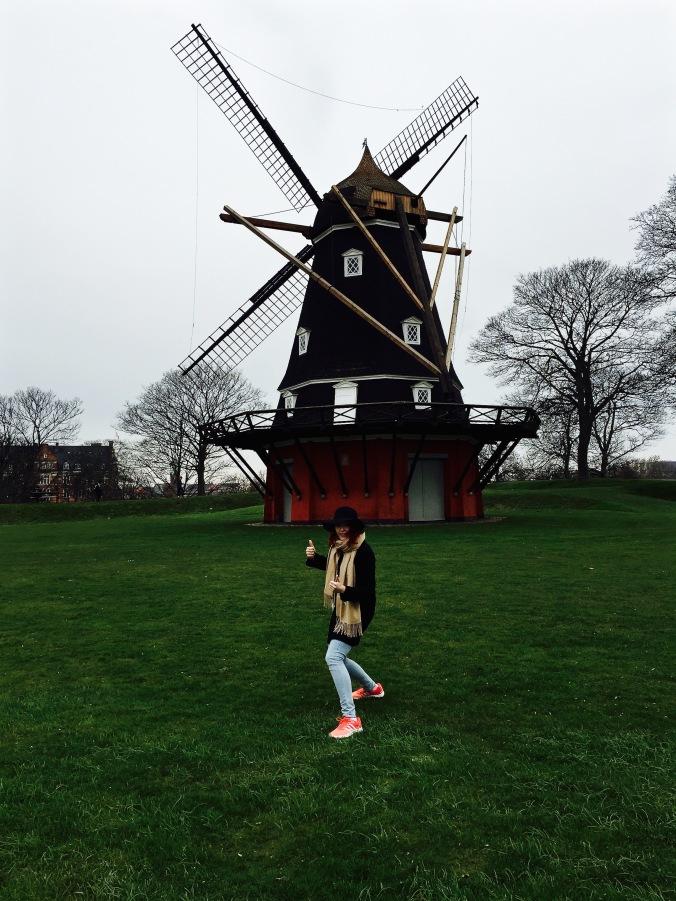 Kastellet_Windmill_Pose