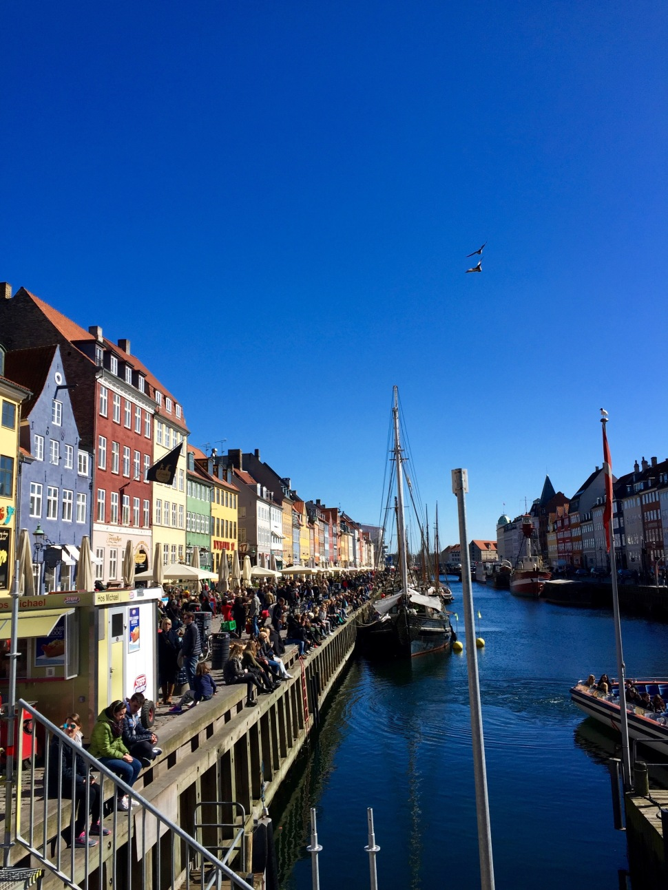 Nyhavn_canal_2