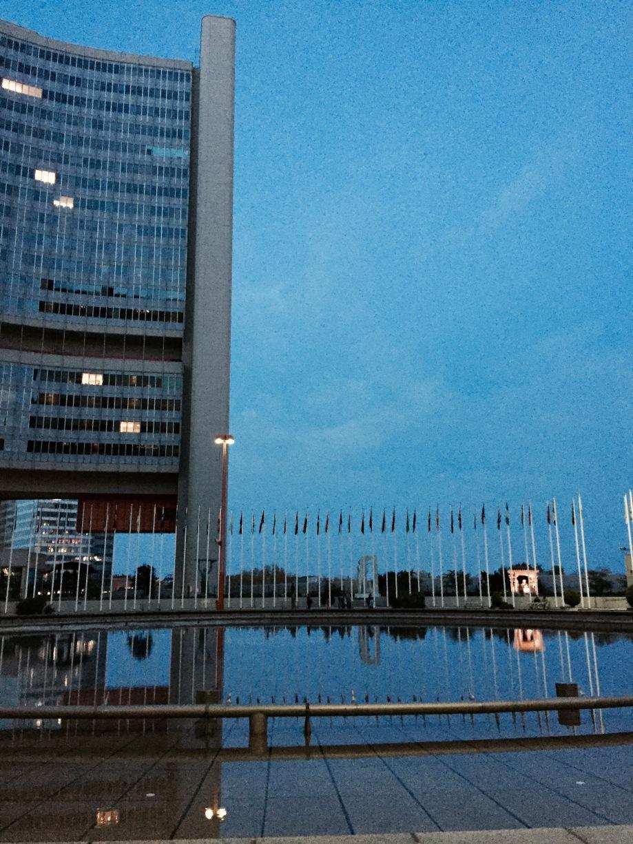 Uno-city_night_2.jpg
