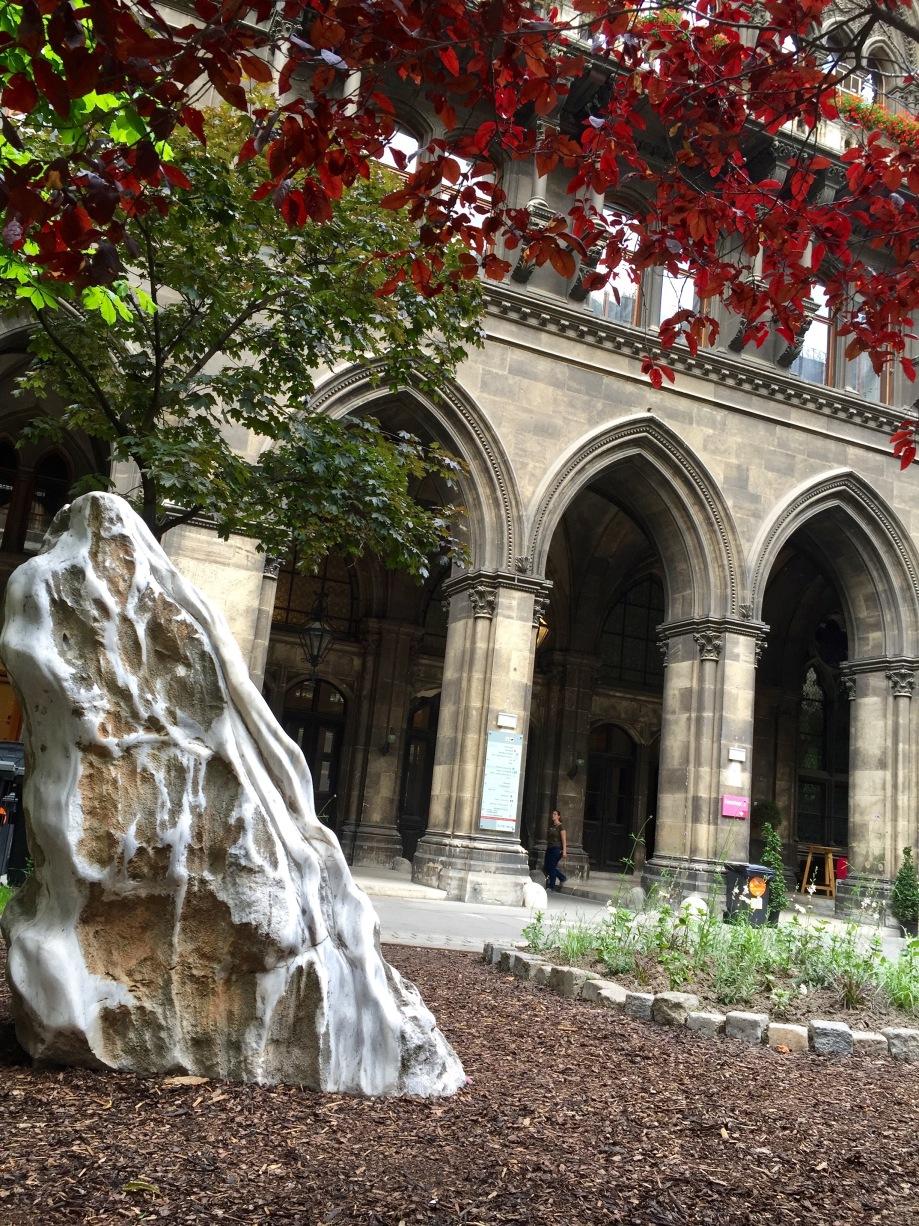 courtyard_tree_stone