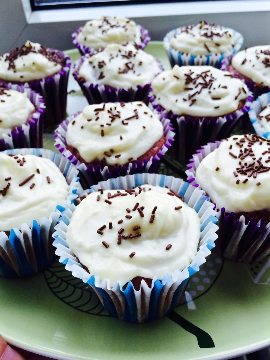 Food_cupcakes_strawberries