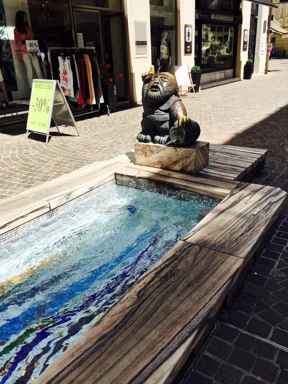 klagenfurt_fountain_gnome
