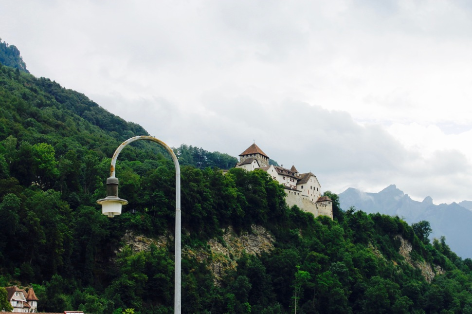liechtenstein_castle_drama_lamp