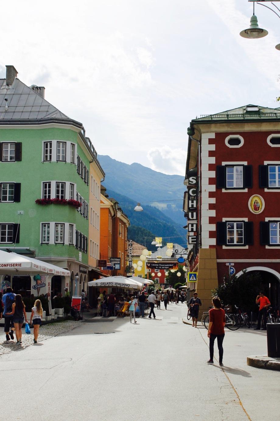 Lienz_hauptplatz_beginning of pedestiran zone