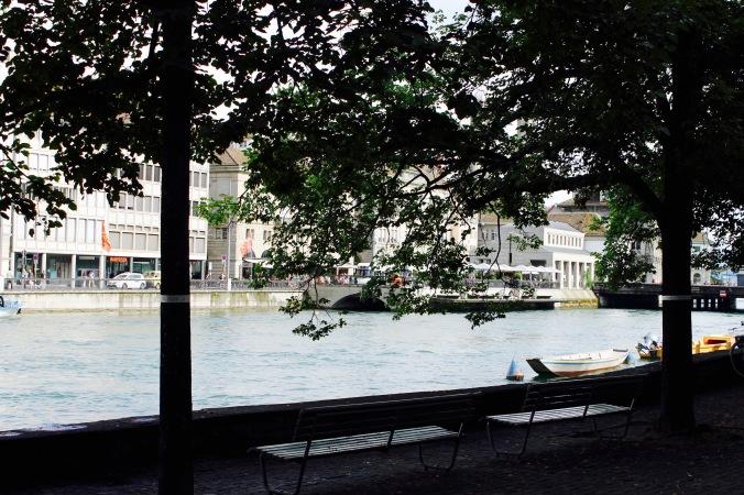 5_zürich_city_sun_bench