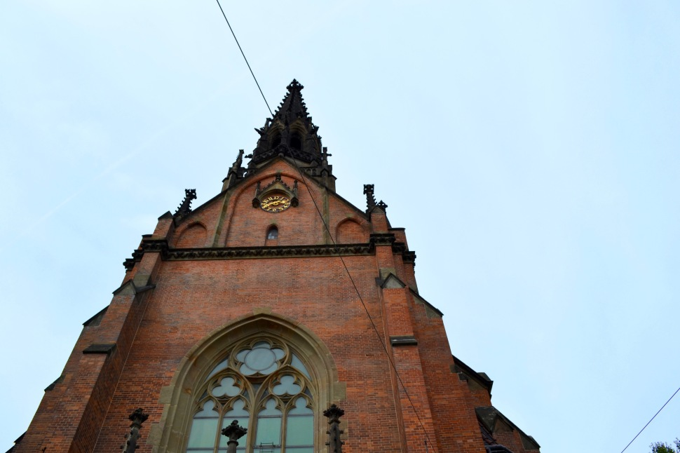 Brno_church_red