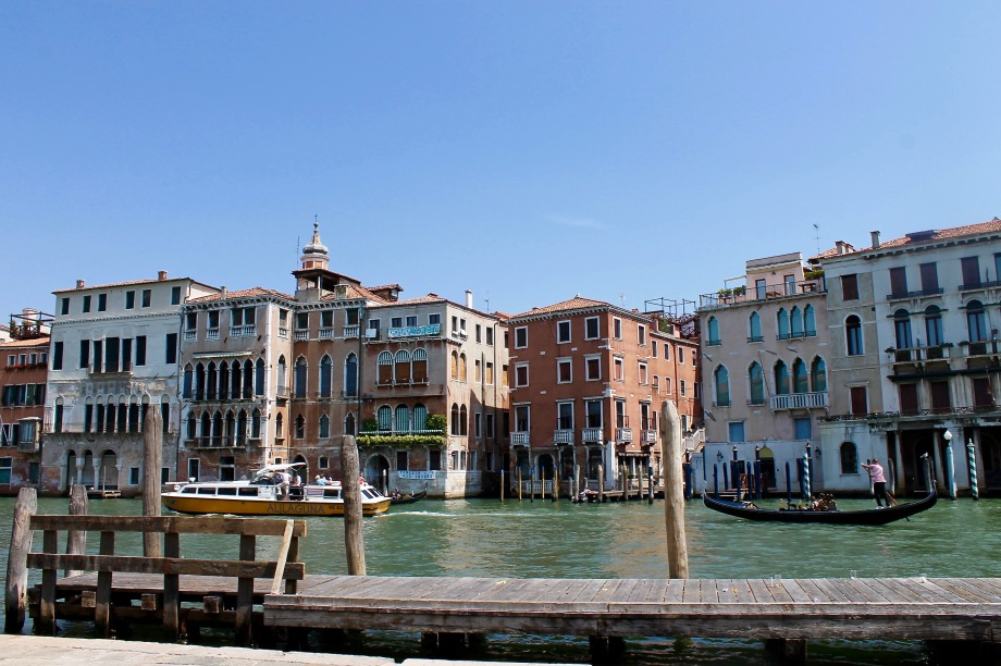 venice_canal grande_boat_buildings