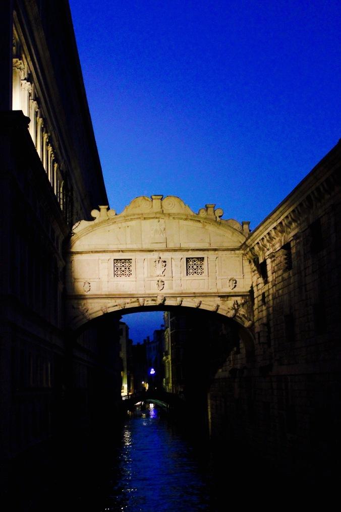venice_night_bridge_sighs