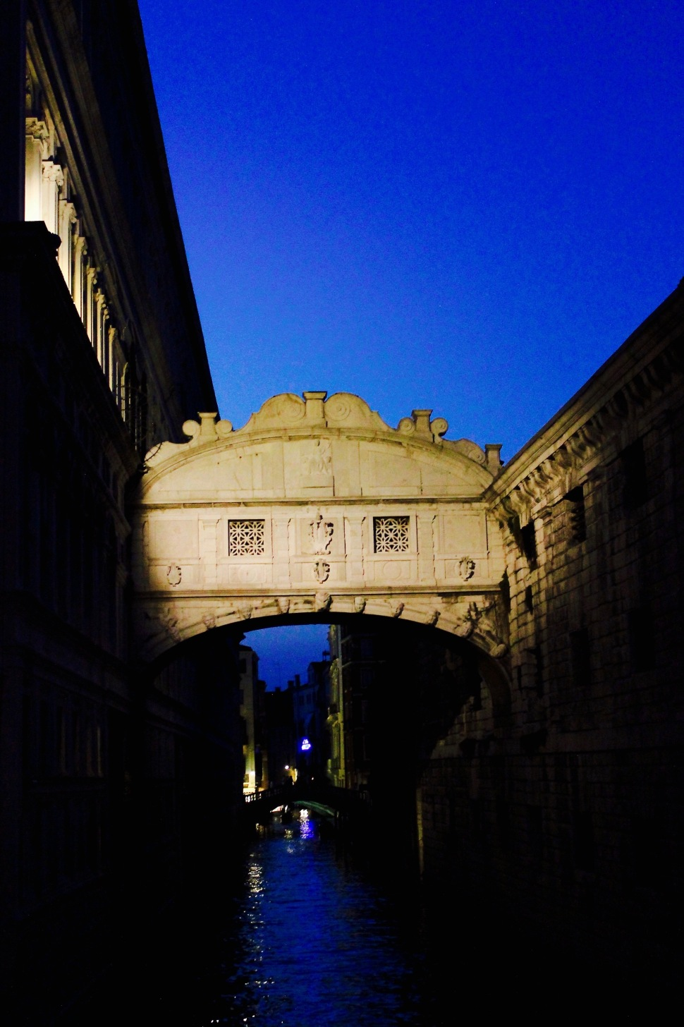 venice_night_bridge_sighs