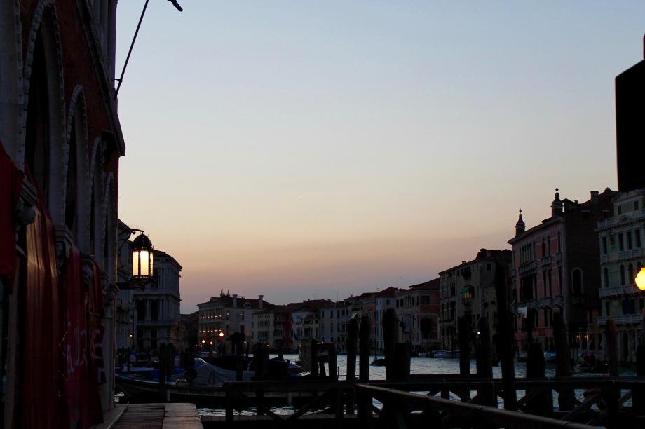 venice_night_canal