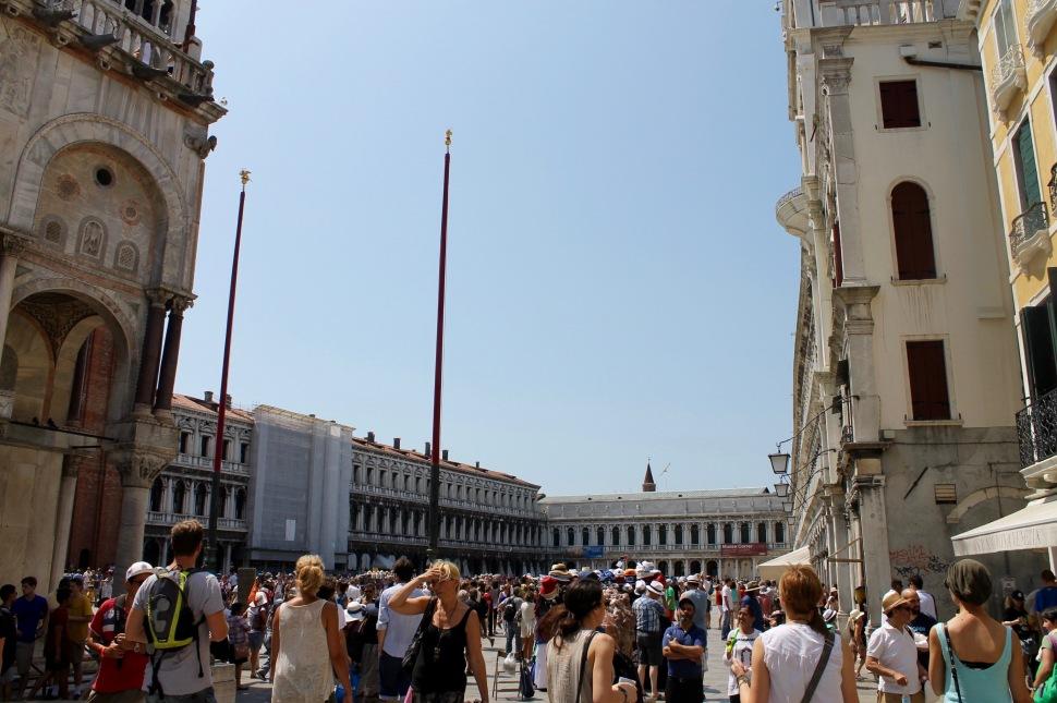 venice_piazzamarcus_people