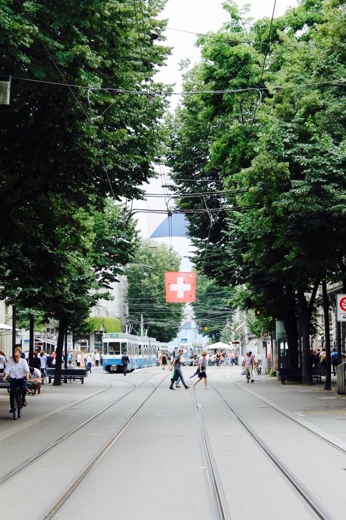 zürich_city_bahnhofstrasse.jpg
