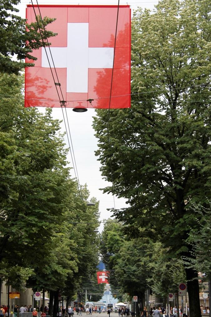zürich_city_bahnhofstrasse_flag