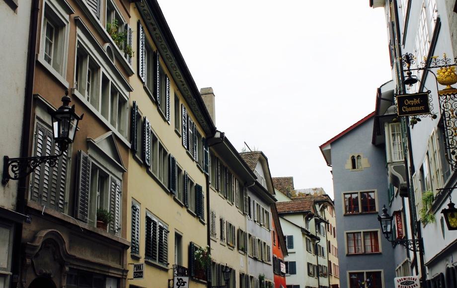 zürich_city_buildings_facades