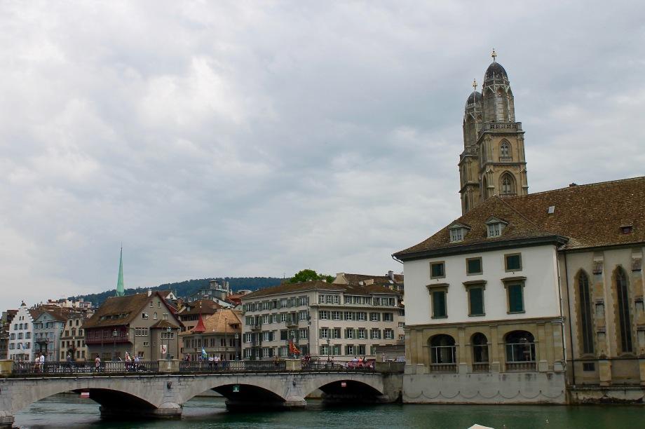 zürich_river_church_protestant