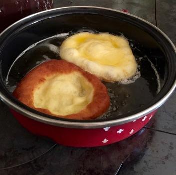 traditional_krapfen_pan