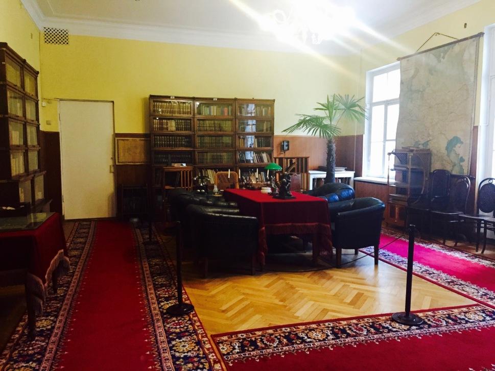 cabinet_gorki_leninskiye_3