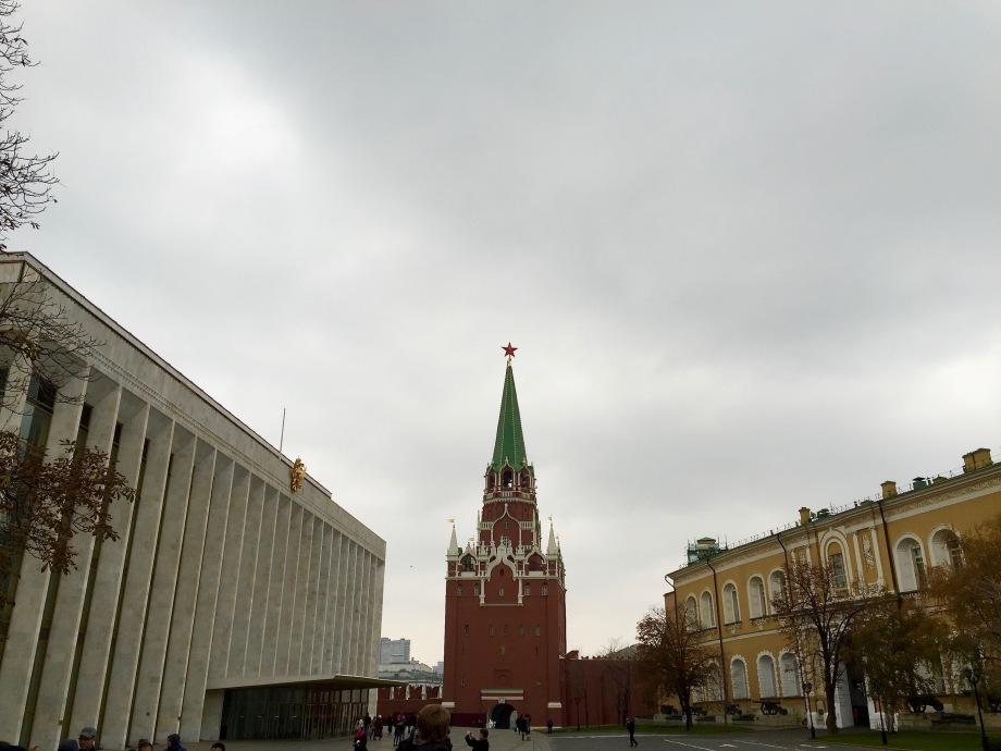 kremlin_outside_inside