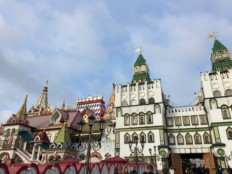 market_kremlin_bridge_all