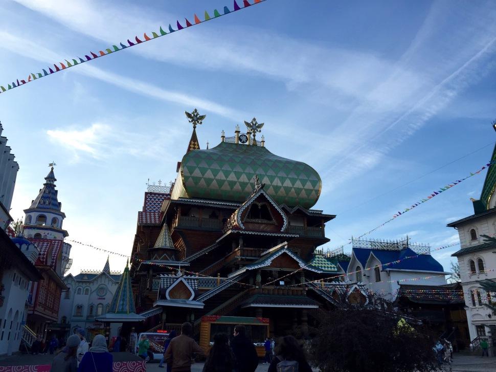 market_kremlin_inside_sky