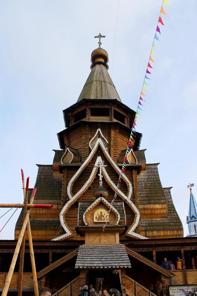 market_kremlin_inside_wooden