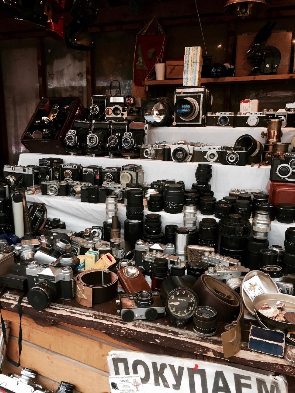 market_stand_cameras