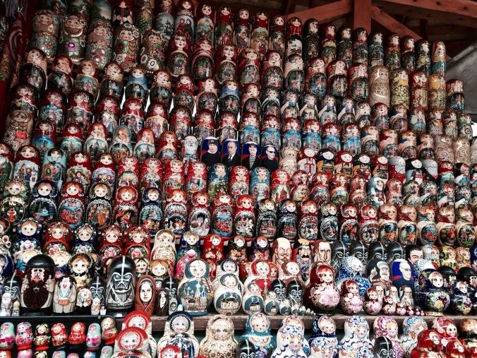 market_stand_matrjoshka_lot