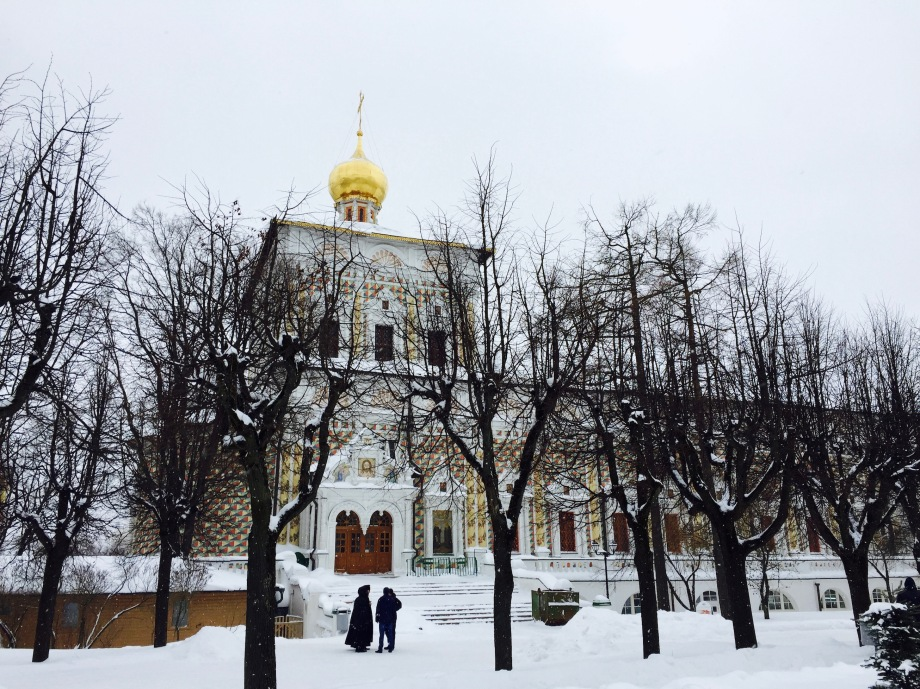 sergiev-posad_refectory_snow