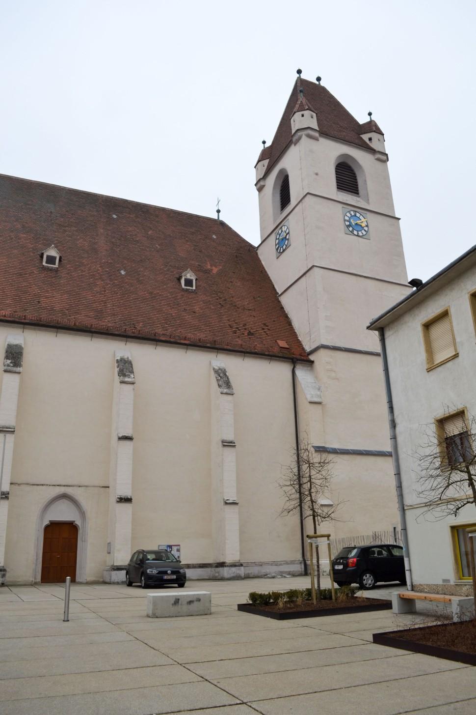 Burgenland_Eisenstadt_city_church_saint martin