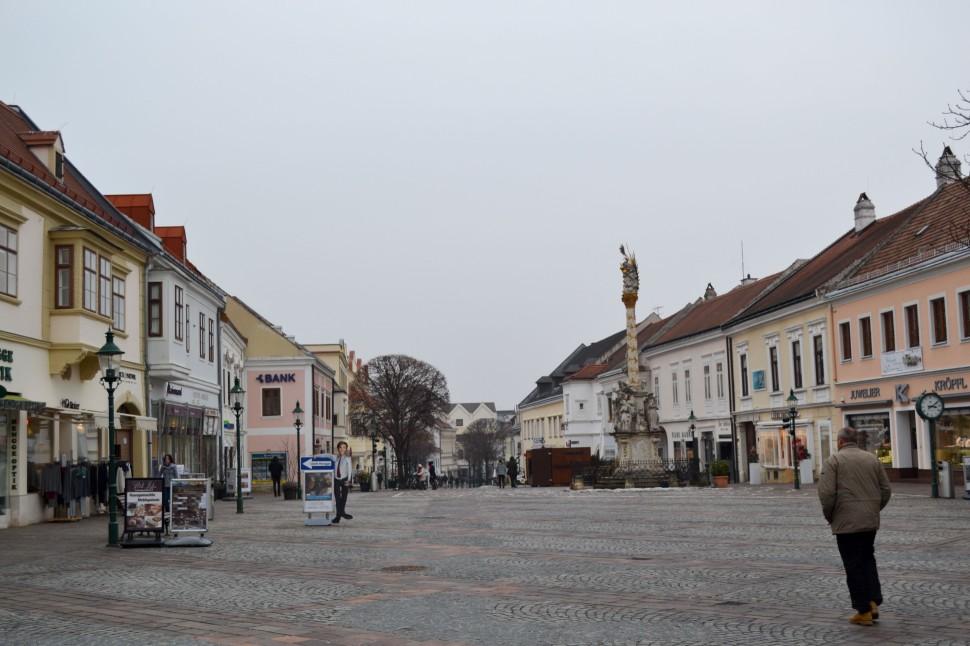 Burgenland_Eisenstadt_city_street_centre