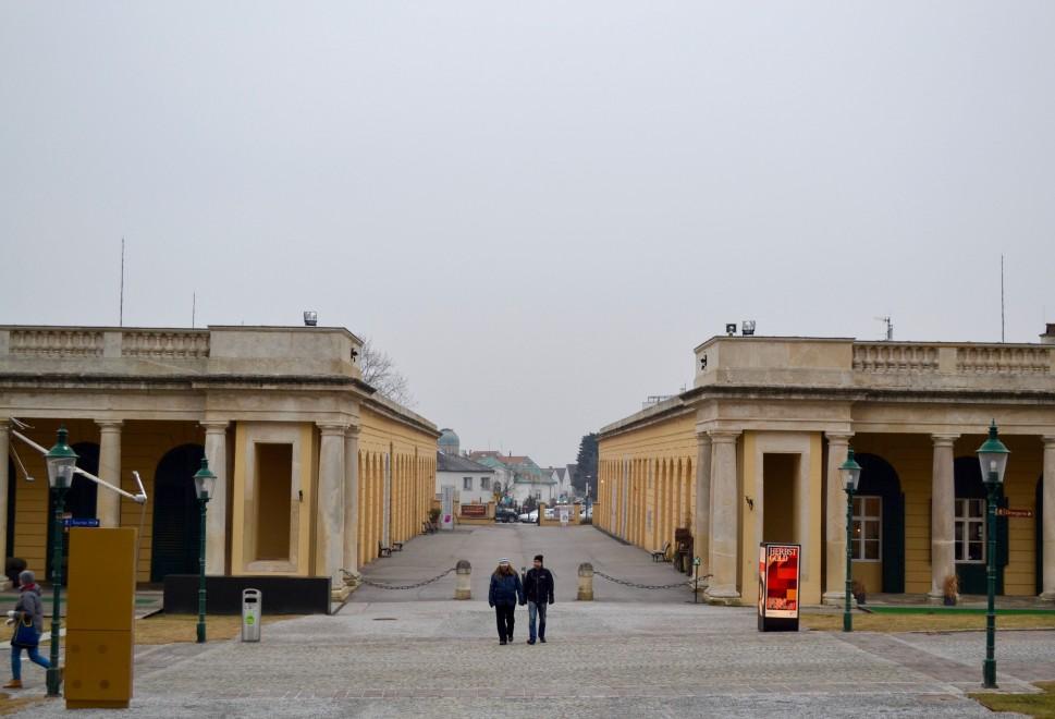 Burgenland_Eisenstadt_palace_opposite side
