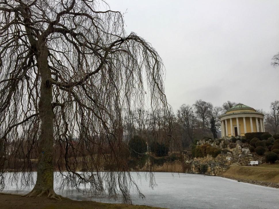 Burgenland_Eisenstadt_park_leopoldine temple