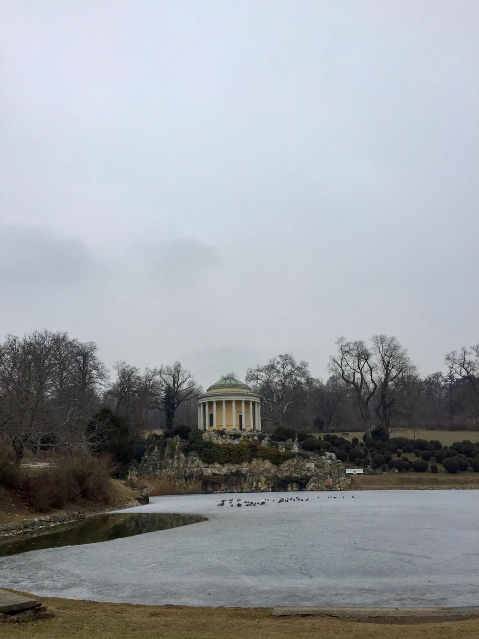 Burgenland_Eisenstadt_park_leopoldine temple_nice