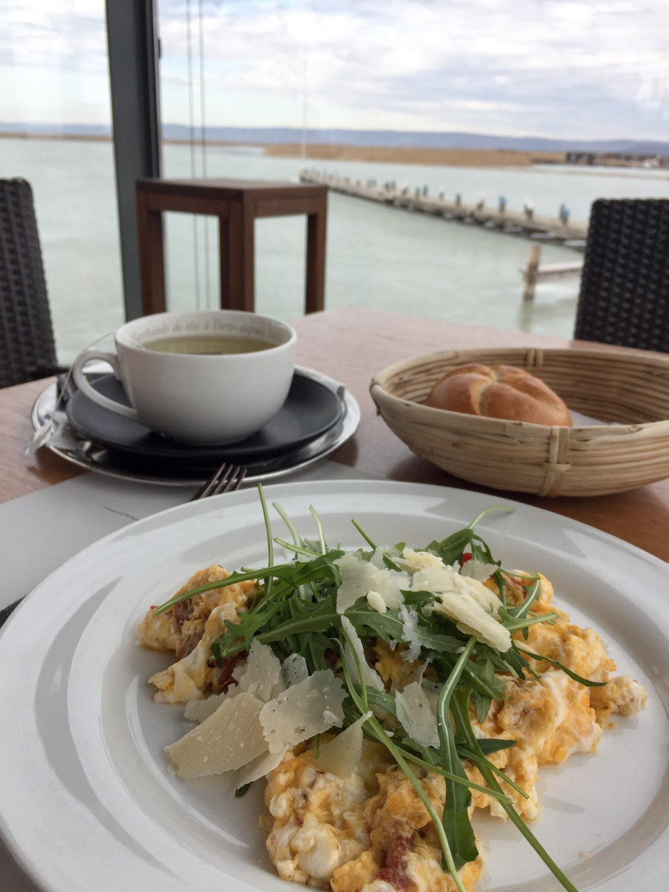 Scrambled eggs with Grana and Ruccola