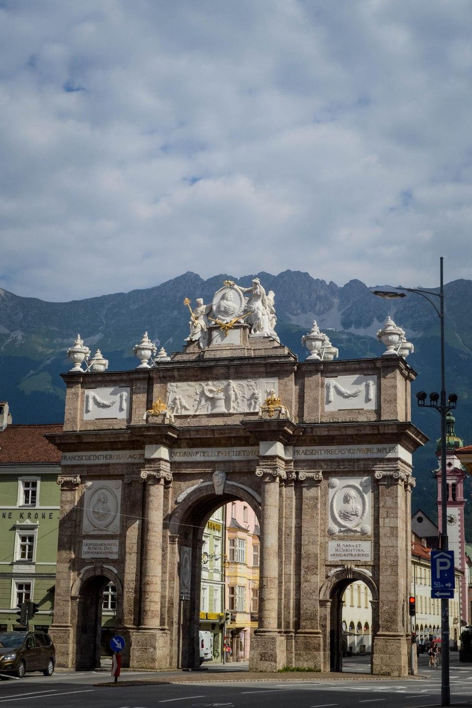 Innsbruck_city_sight_triumphal arch