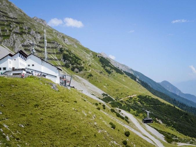 Innsbruck_nordkette_cable car