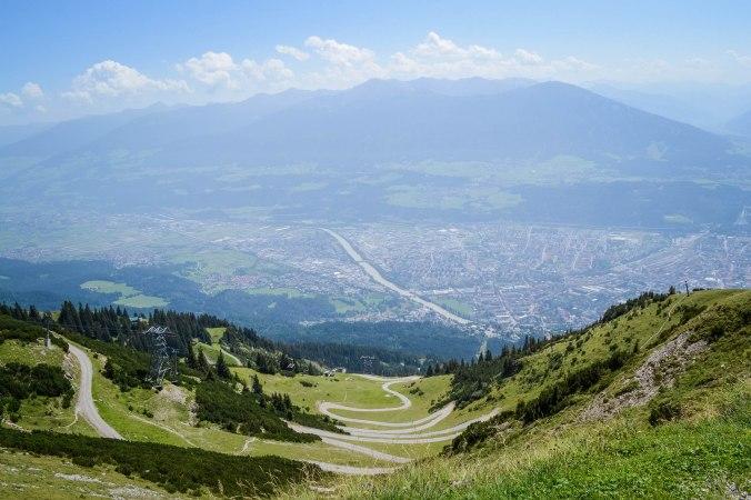 Innsbruck_nordkette_view_2