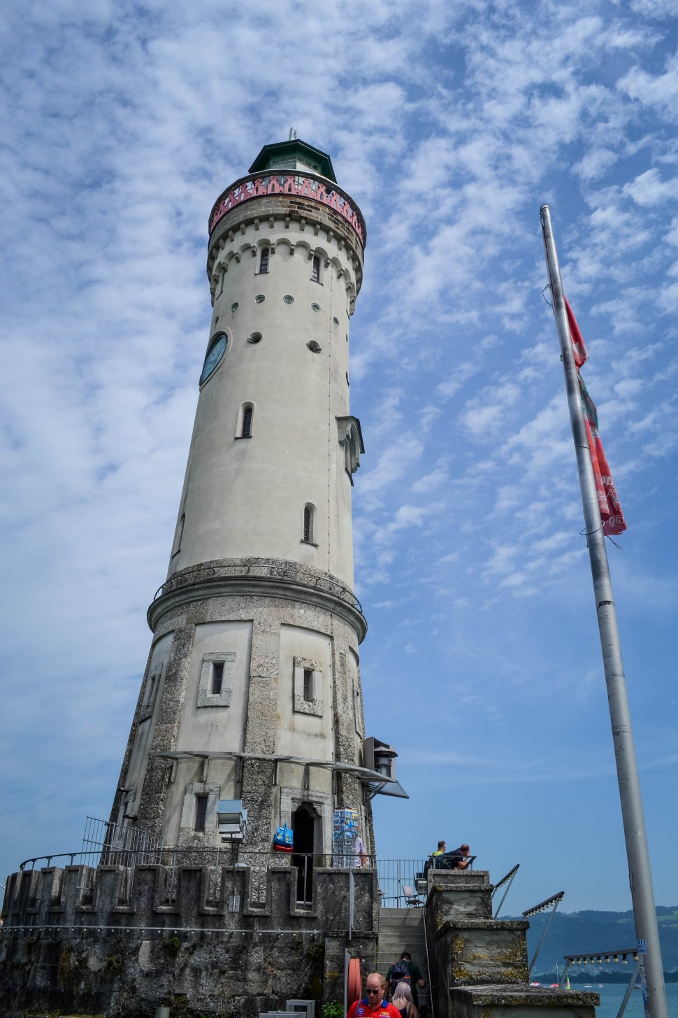 Lindau_harbour_lighthouse