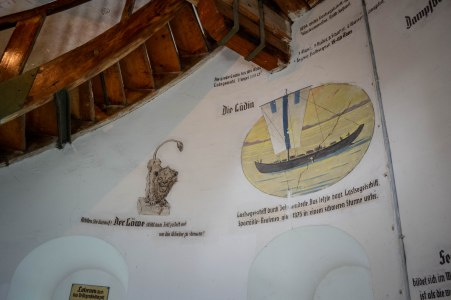 Lindauharbour_lighthouse_inside_1