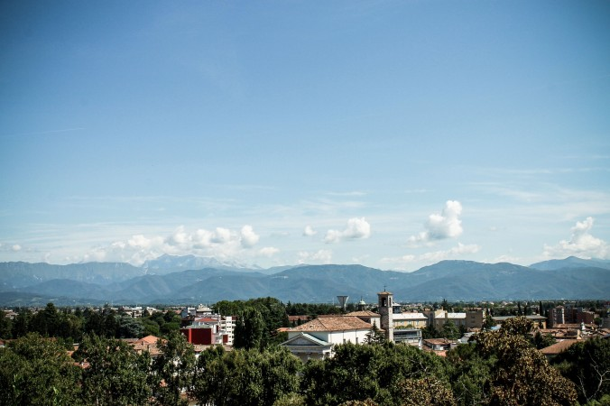 Udine_sights_castle_view_mountans