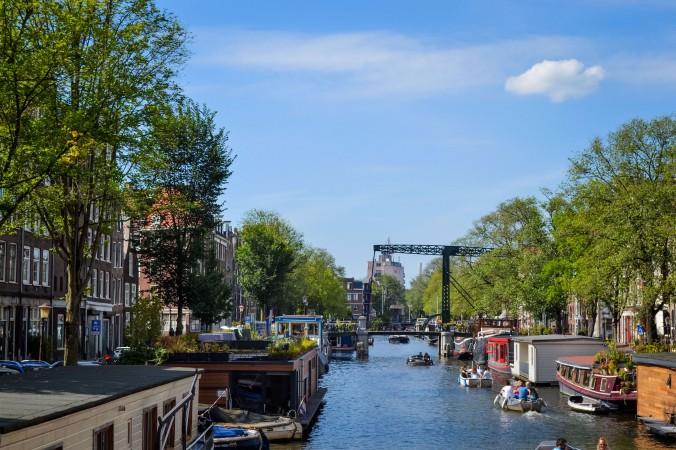 Amsterdam_canals_bridge