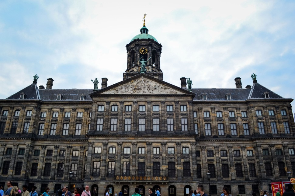 Amsterdam_city_dam_royal palace