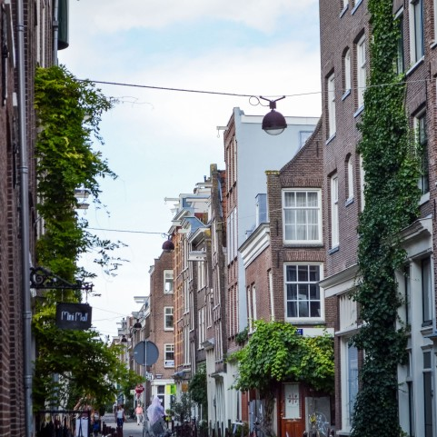 Amsterdam_city_streets_1