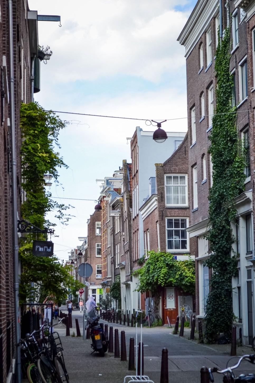Amsterdam_city_streets_1