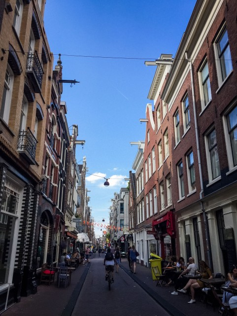 Amsterdam_city_streets_2