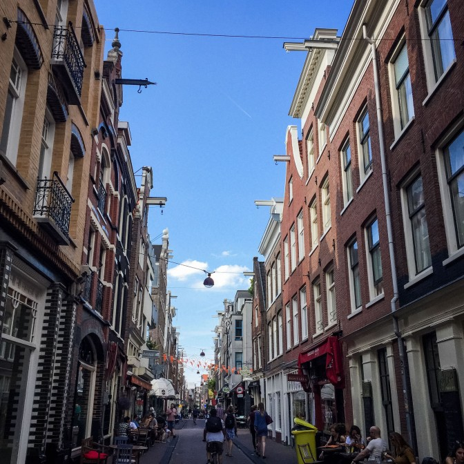 Amsterdam_city_streets_2