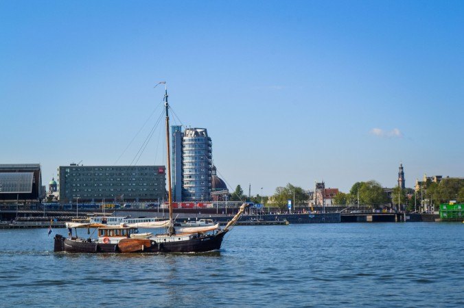 Amsterdam_ferry_nsdm_boat