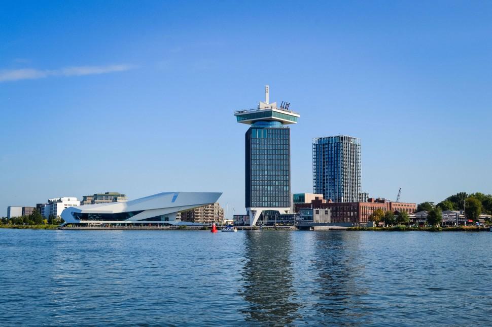 Amsterdam_ferry_nsdm_ij