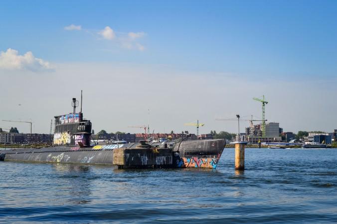 Amsterdam_ferry_nsdm_submarine