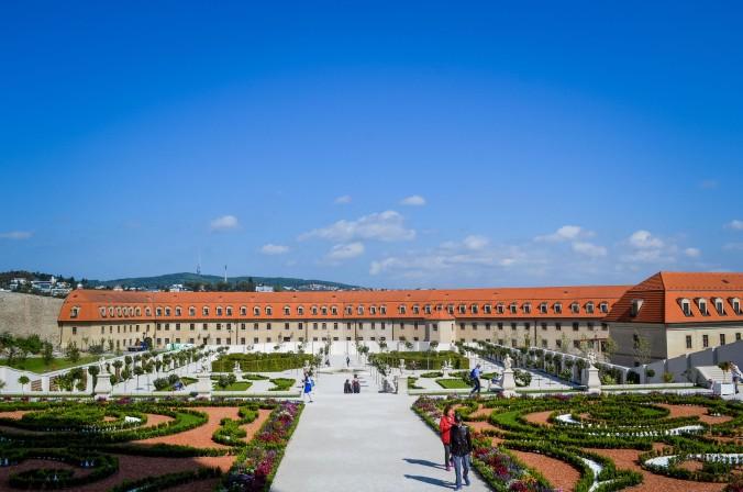 Bratislava_castle_garden_